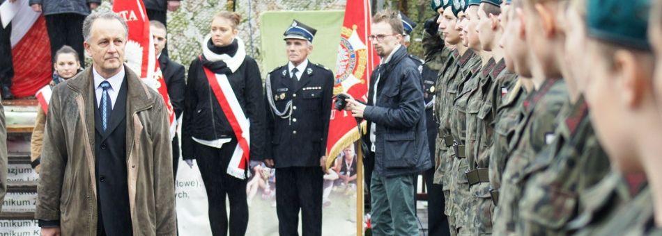 """""""Dla Ciebie Polsko i dla Twojej chwały…"""" – ślubowanie klas mundurowych w Trzcinicy"""