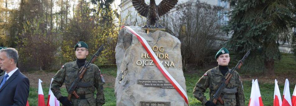 Odsłonięcie obelisku w Trzcinicy